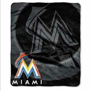 Miami Marlins Plush Throw